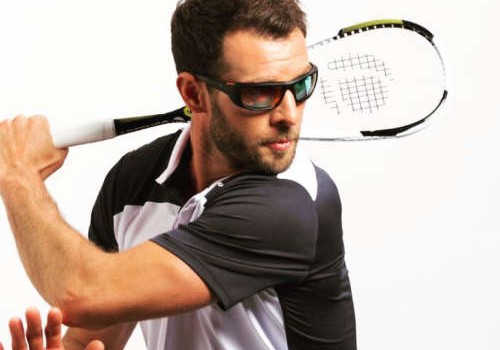 Preventing eye injury in sports. Sports glasses and sports goggles.